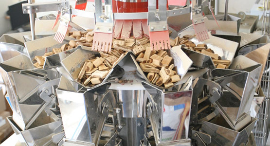 Ishida CCW-SE3 weigher weighing dog treats