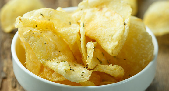 Batch frying kettle chips with MasterTherm Kettle Fryer