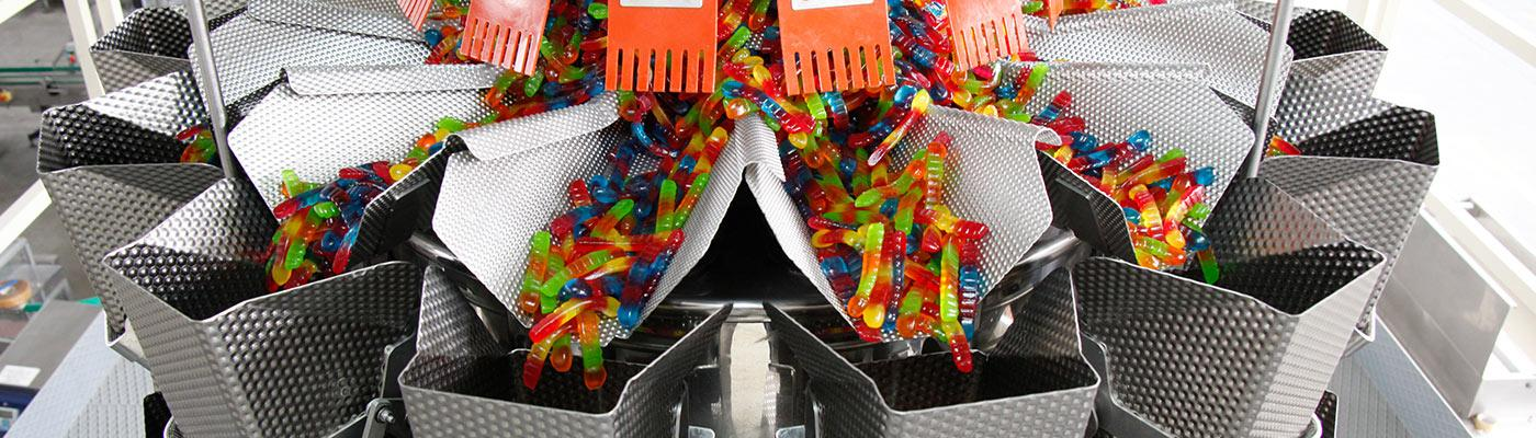 Ishida scales weighing candy for packaging